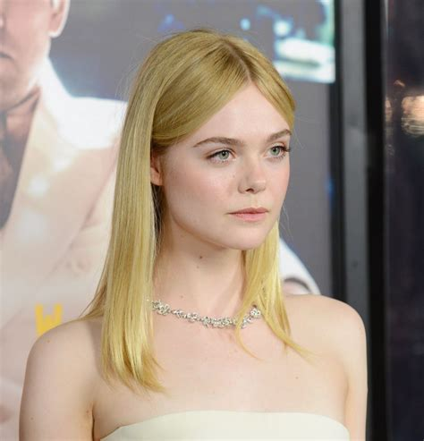 elle fanning elle fanning at live by night premiere in hollywood 01