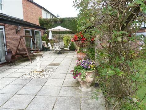 dachgesims holz small patio designs uk small garden patio designs uk
