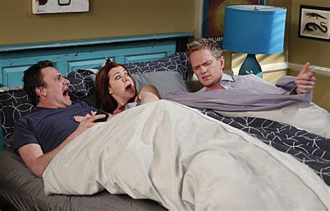 himym beds barney in and marshall s bed tv fanatic