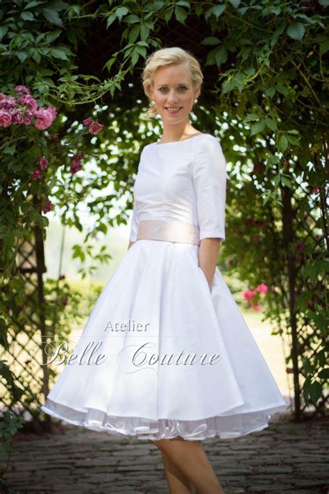 Brautkleider 50er Jahre by Atelier Couture Schlichtes 50er Jahre Brautkleid