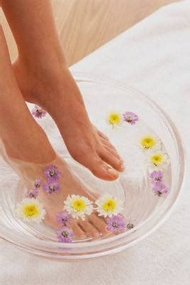 Borax Detox Bath by Recipe For Detox Foot Bath Ehow