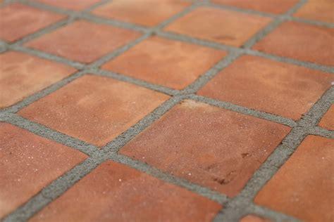 außenfliesen kaufen originale handform cotto terrakotta bodenfliesen 15x15x1