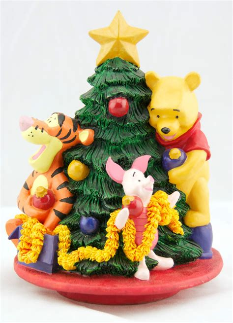 trimming the tree winnie the pooh piglet tigger christmas