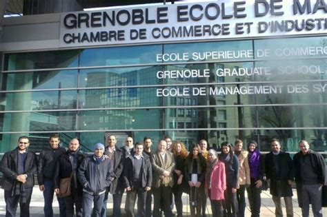 Grenoble Mba by Gust Mba Students Complete Course At Grenoble