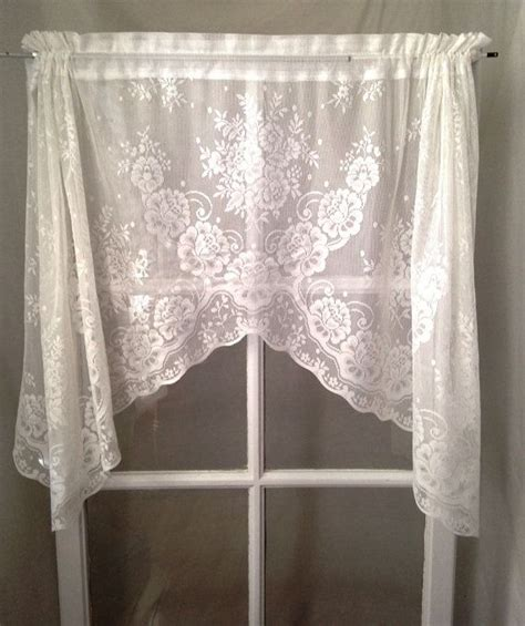 Rideau Cagne Chic by 17 Best Ideas About White Lace Curtains On