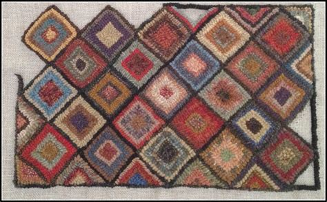 geometric rug hooking patterns 230 best images about rug hooking and hooked rugs on wool yarn felted wool and hooks