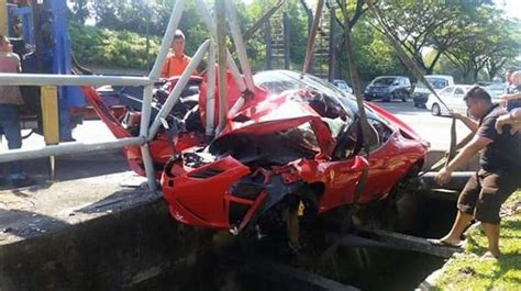 458 speciale crashes in malaysia gtspirit