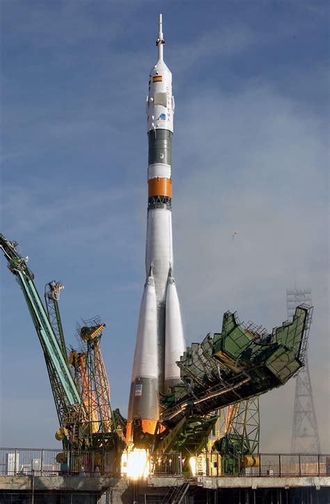 Raket Epsilon file soyuz tma 3 launch jpg