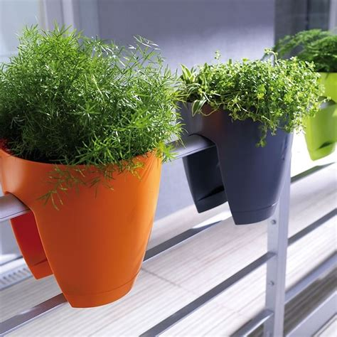 fioriere colorate fioriere da balcone vasi vasi e fioriere per il balcone
