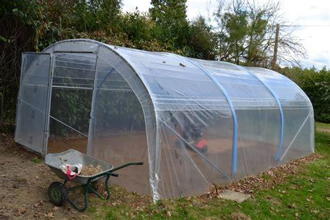 serre de jardin bretagne pourquoi cultiver sous serre tous au potager