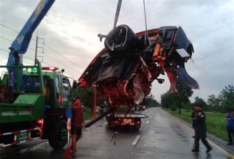 lifted lamborghini lamboghini ripped in half in a car accident minor injuries