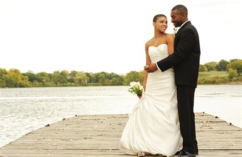 How To Win Money For A Wedding - how to have a budget friendly wedding bona magazine