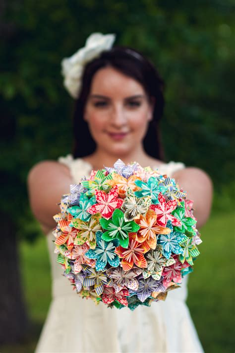 How To Make A Paper Bouquet - unique diy bouquets for your wedding
