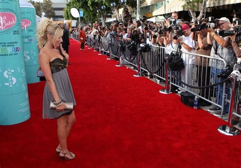 The Hairspray La Premiere by Tisdale In La Premiere Of New Line S Quot Hairspray