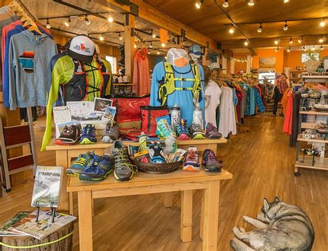 hunting store layout 233 best retail design images on pinterest glass display