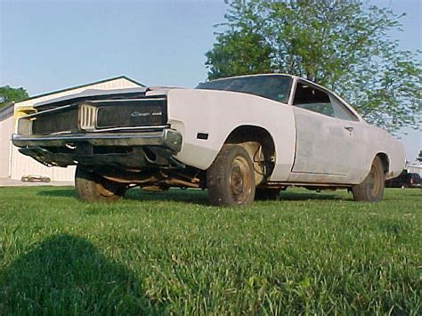 what year was the charger in dukes of hazzard 1969 dodge charger you can dukes of hazzard hemi r t