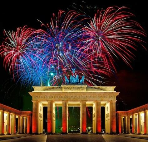 berlin fireworks fireworks new years eve at
