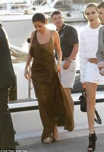 Green Tropez Gowv Dress selena gomez and cara delevingne attend leonardo dicaprio