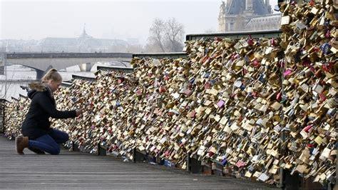 cadenas francais pont des arts paris cadenas rt en fran 231 ais