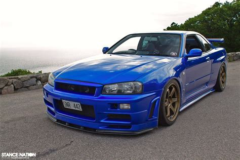 blue nissan skyline beautiful bayside blue r34 nissan skyline gt r r34