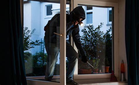 ladri appartamento i maghi georgiani dei furti rubano pregano e spariscono