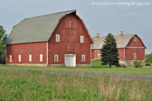 red barn midwestern rustic red barn town amp country living