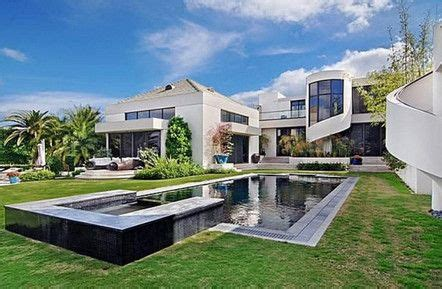 modern homes for sale it s a mod mod world see 10 modern homes for sale palm