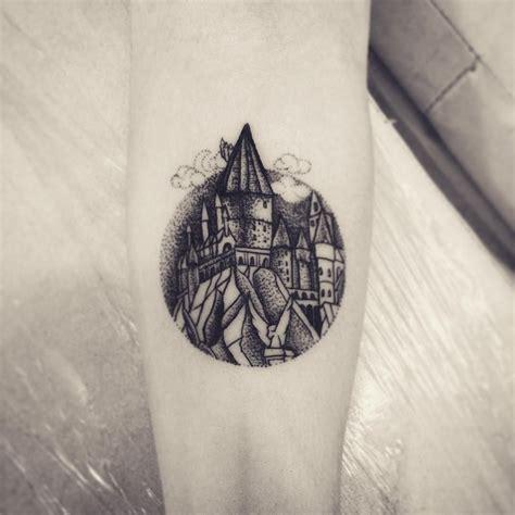 hogwarts tattoo hogwarts tattoos tattoos hogwarts harry