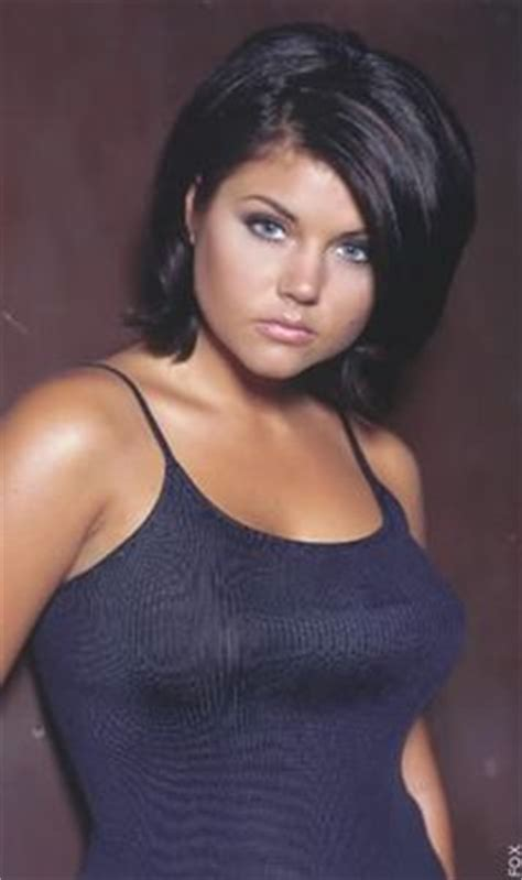 tiffani thiessen hairstyle pictures 1000 ideas about tiffany amber hair on pinterest