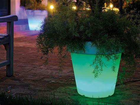 vasi luminosi per esterno vasi luminosi da giardino per dar luce alle tue serate estive