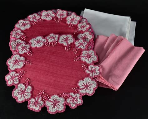 white beaded placemats beaded placemats w pink white napkins