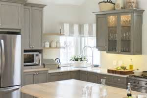 Kitchen Cabinet Painters Painting Kitchen Cabinets 11 Must Tips
