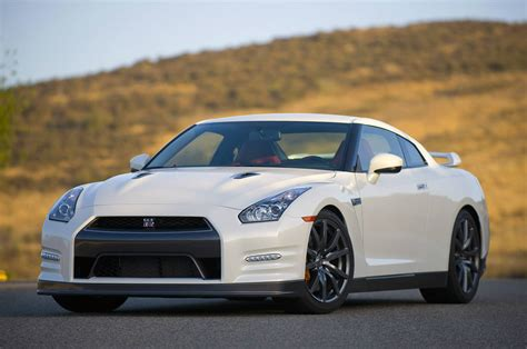 nissan skyline 2014 the 2014 nissan gt r in brief no car no fun muscle