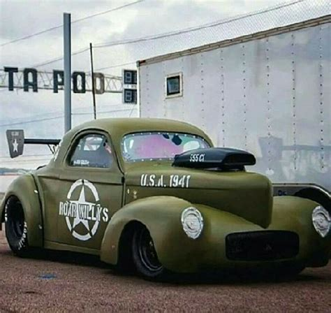 hot car themes i usually don t really dig the army green theme but this