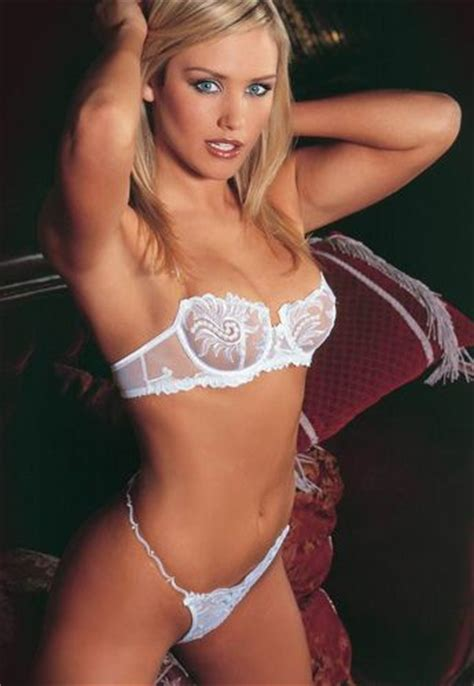 Style Nicky Fabsugar Want Need 5 by 66 Best Images About Nicky Whelan On