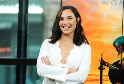cast of the woman gal gadot is slaying us with her red carpet looks for