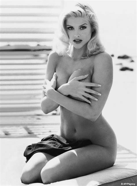 anna nicole smith nude unseen anna nicole playboy shots in tribute edition