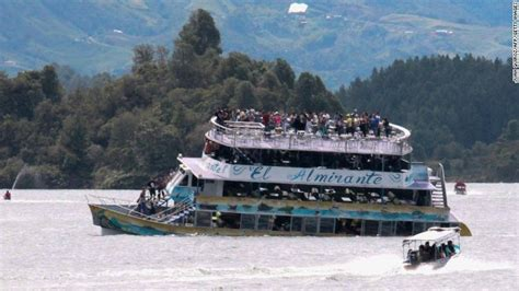 colombian boat sank colombian tourist boat sinking death toll rises to 7 cnn