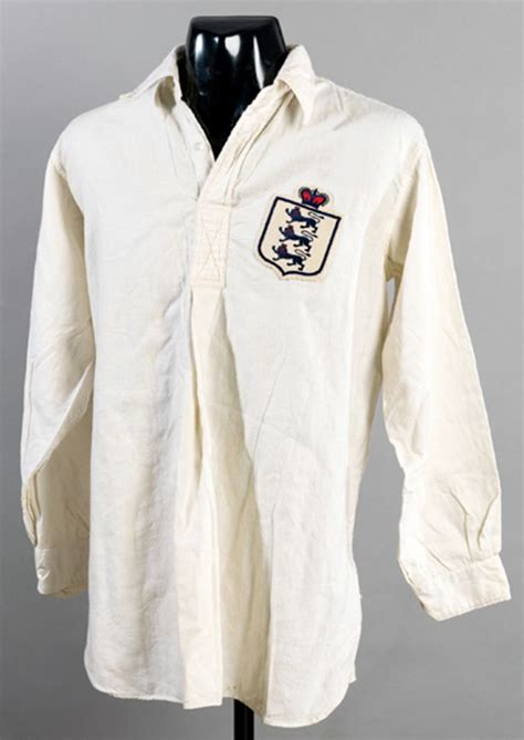Middlesbrough Birth Records Cap And Shirt Belonging To Middlesbrough Fc Legends Set To Go The Hammer