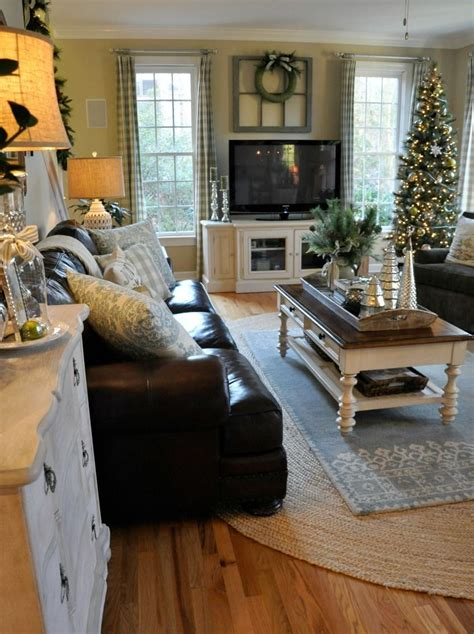 House Decor Ideas For The Living Room by Best 25 Country Family Room Ideas On Foyer