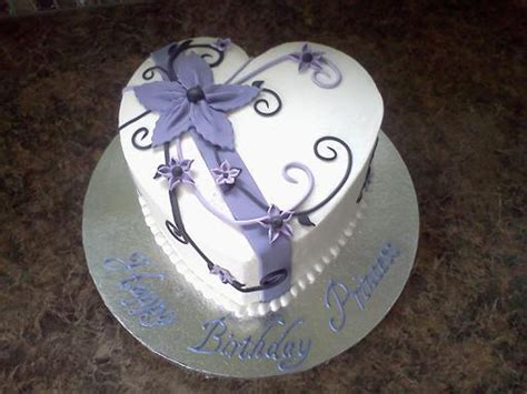 Decorating A Shaped Cake by Shaped Birthday Cake Buttercream With Fondant