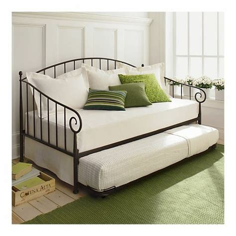 bed smaller than daybed for guests in room smaller than pb bed