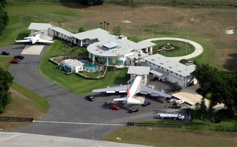 john travolta house 8 unique celebrity mansions you don t want to miss celebrity homes on starmap com 174