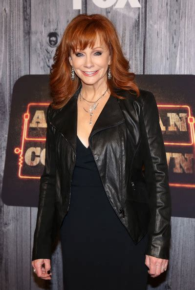 reba mcentire 2014 reba mcentire pictures arrivals at the american country