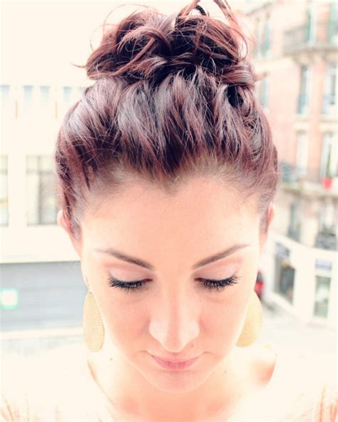 hairstyles for short hair knots 15 hairstyles you can do in less than 5 minutes ma
