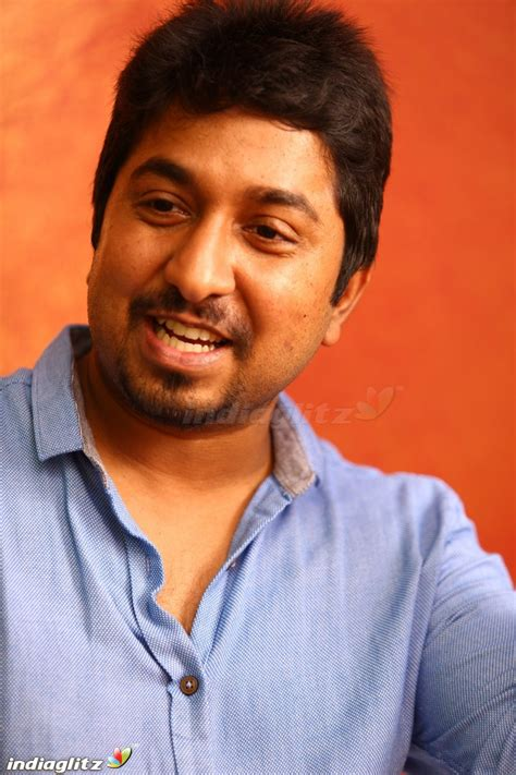 actor vineeth kumar wedding photos vineeth junglekey in image 100