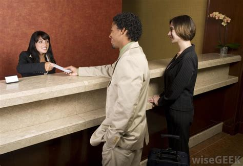 What Is Front Desk Receptionist by How Do I Become A Front Desk Receptionist With Pictures