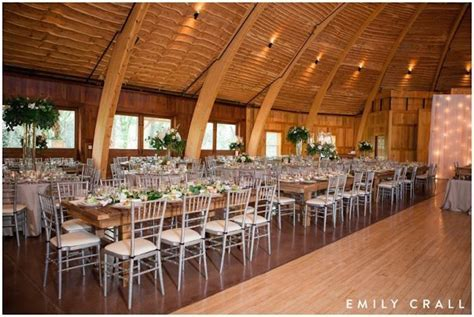 Top Barn Wedding Venues   Iowa ? Rustic Weddings