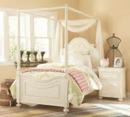 Canopy Bed Frames Design Ideas Several Tips To Buy The Bed Canopy Frames Home Design Interiors