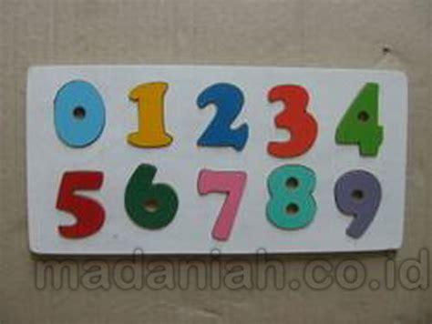 alat peraga edukasi puzzle angka timbul